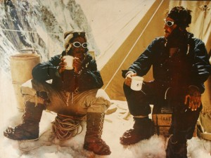 1-edmund-hillary-e-tenzing-norkay-alla-loro-spedizione-sulleverest